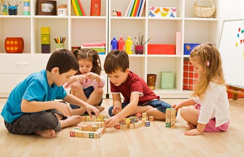 让孩子在蒙氏教育环境中成长