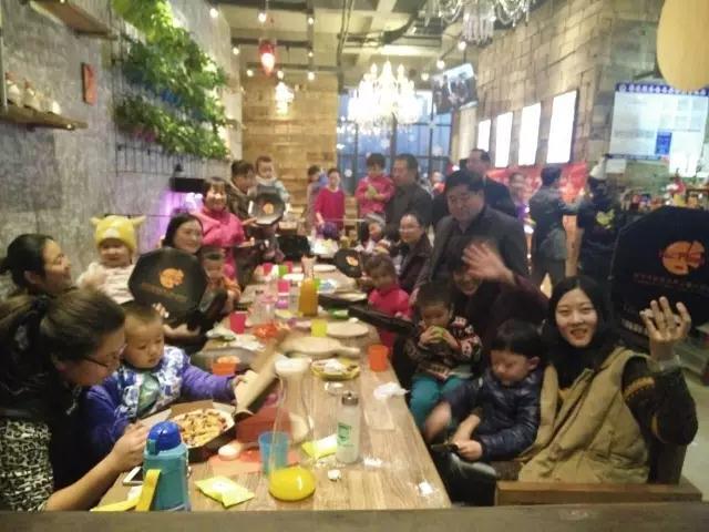 【感恩】澳真国际儿童俱乐部举办感恩节亲子手工披萨活动