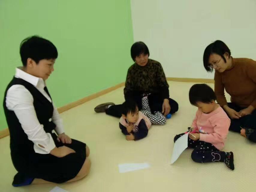 北京澳真国际父母学院杨老师亲临澳真国际江西分园做智能测评指导